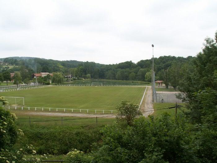 stade de football de Latoue
